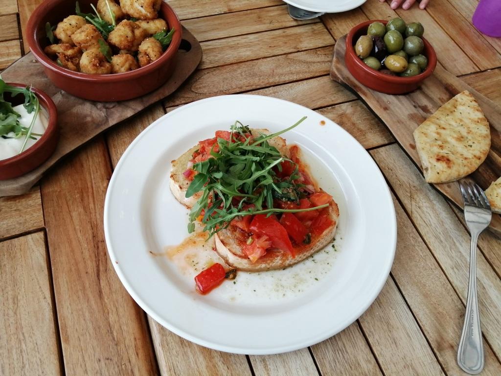 bruschetta, olives, chicken bites, food, platter, peatzeria, pizza, bowmore, islay, scotland